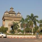Laoso triumfo arka - ne tokia ir triumfiška